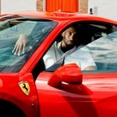 Kobe Bryant visitou fábrica da Ferrari