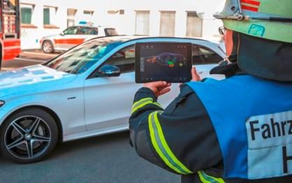 Mercedes tem app para ajudar equipas de emergência