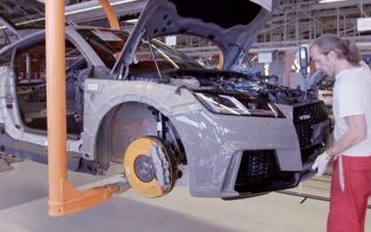 Veja como é produzido o Audi TT RS