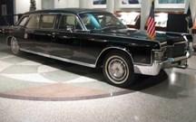 HOJE HÁ 47 ANOS: A nova limousine de Richard Nixon