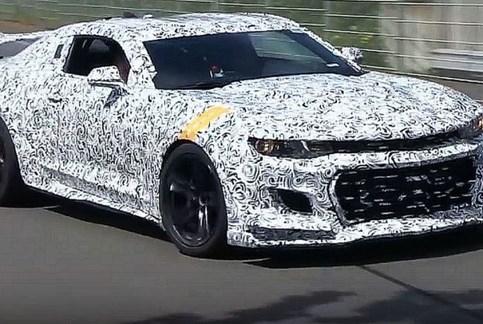 "Chevrolet está a ultimar o ""musculado"" Camaro Z/28"