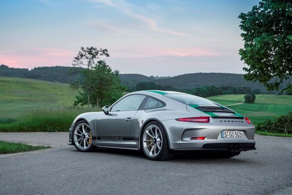 O Porsche 911 R está esgotado...
