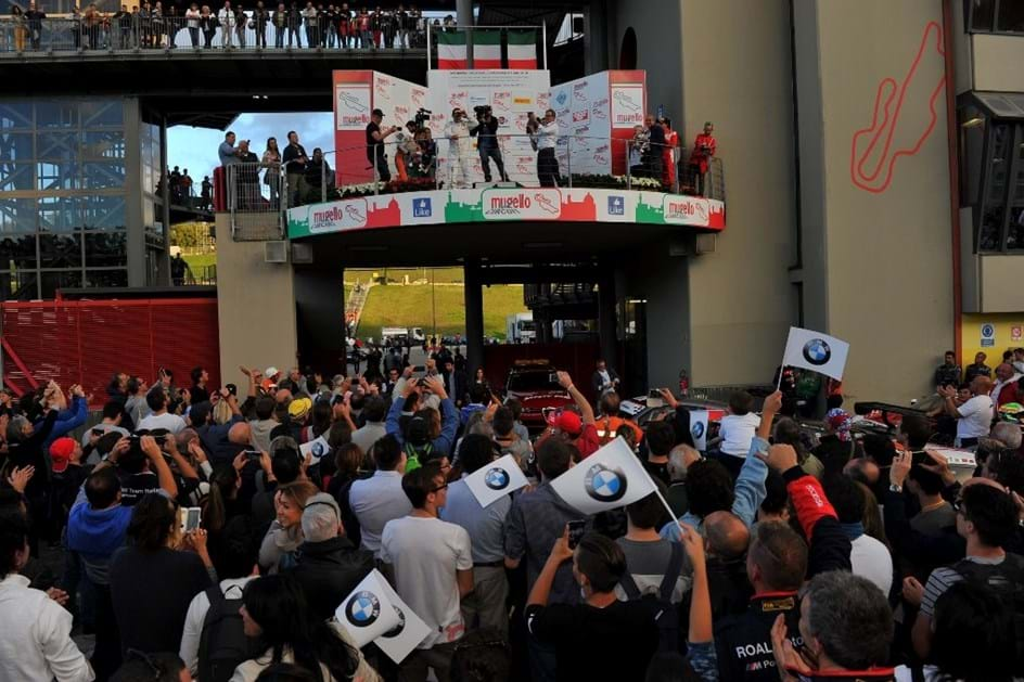 Herói Zanardi voltou a vencer uma corrida de GT!