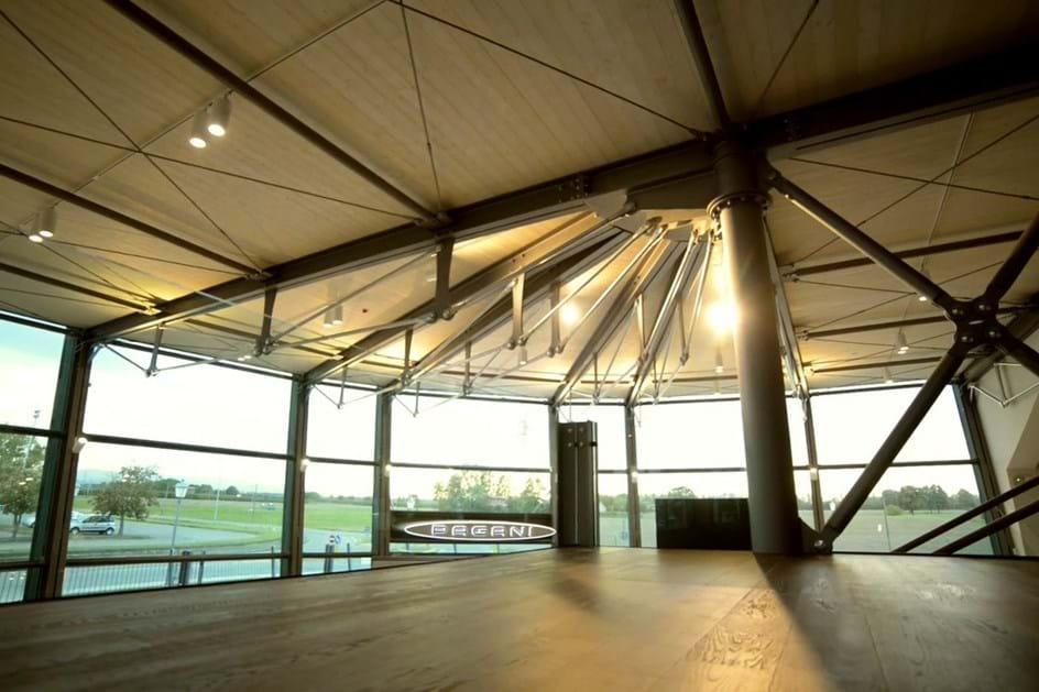 Novo edifício da Pagani em Modena é impressionante
