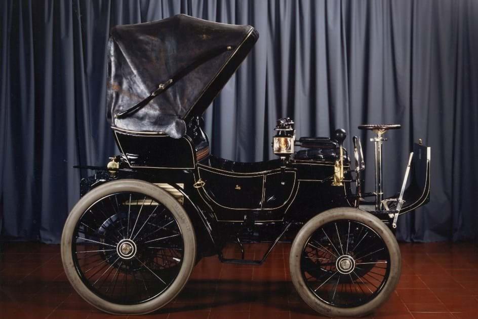2 de Dezembro de 1965: Peugeot 19 do lixo para o museu do Caramulo