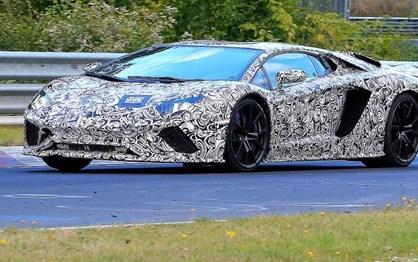Lamborghini já testa Aventador mais potente