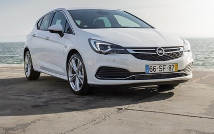 Opel Astra: Novos motores e nova serie OPC Line