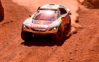 DAKAR 2017: Três Peugeot nos três primeiros lugares e Al-Attiyah fora!