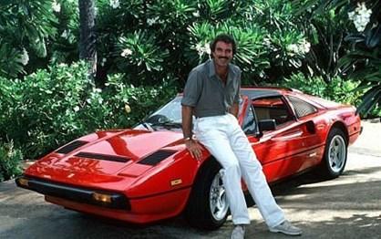 """Ferrari de Tom Selleck em """"Magnum P.I."""" vai a leilão"""