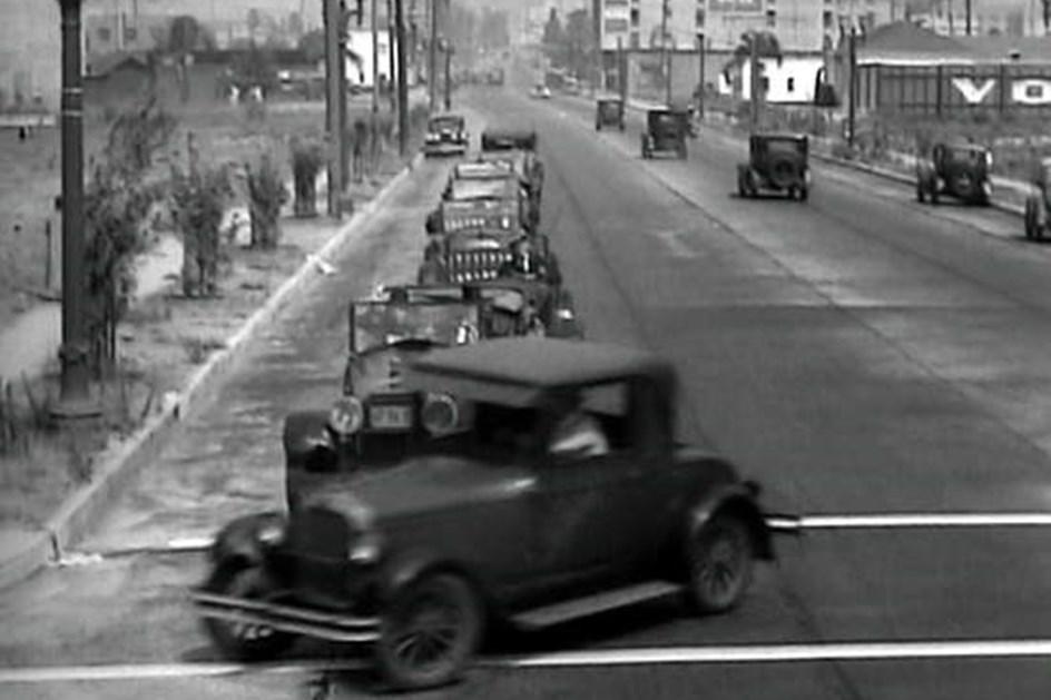 HOJE HÁ 90 ANOS: nasceu a Pontiac