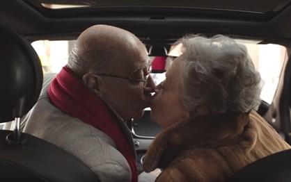 O melhor vídeo do Dia dos Namorados sobre rodas