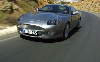HOJE HÁ 16 ANOS: A festa do Aston Martin DB7