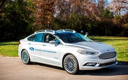 Ford nega que os seus engenheiros durmam nos testes dos carros autónomos