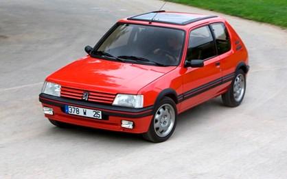 HOJE HÁ 34 ANOS: Peugeot apresentou o 205