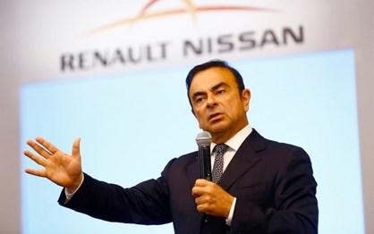 Carlos Ghosn deixa cargo de CEO da Nissan