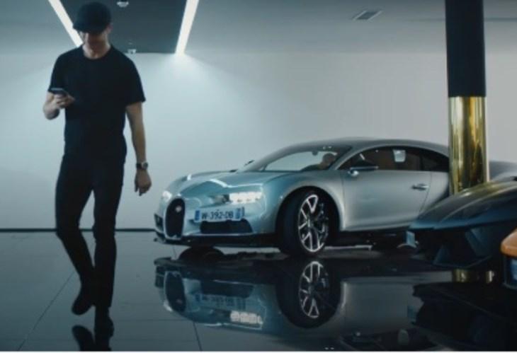 Bugatti levou o Chiron a casa de Cristiano Ronaldo!