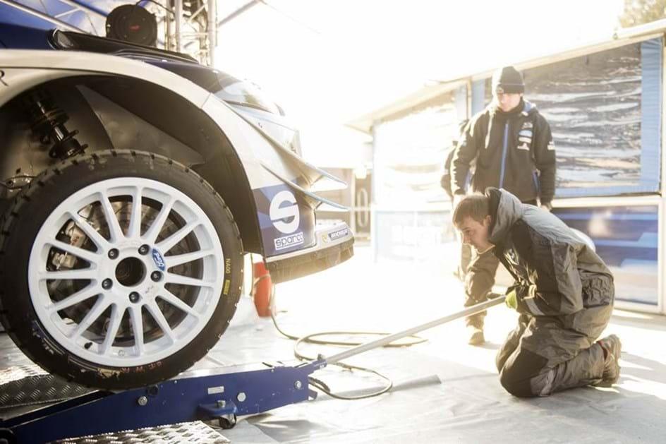 """1536 """"pregos nos pneus"""". É este o número mágico do Rali da Suécia"""