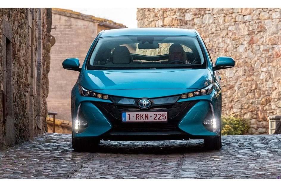 Novo Toyota Prius Plug-In chega em Abril e já tem preços