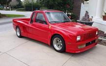 Uma pick-up que pensa que é um Ferrari
