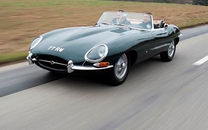 HOJE HÁ 56 ANOS: Jaguar E-Type conquistou Genebra