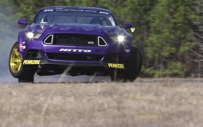 Ford Mustang de 900 cv é máquina de drift infernal