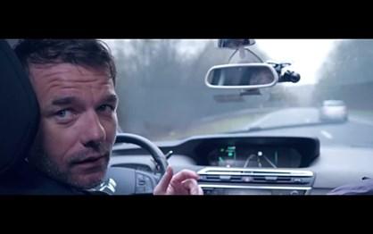 Sébastien Loeb deixa-se guiar por carro autónomo