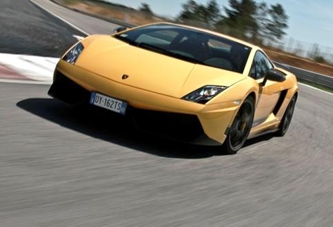 HOJE HÁ 14 ANOS: Lamborghini apresentou o Gallardo