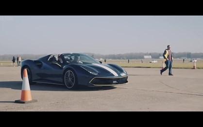 Este vídeo reúne 50 milhões de euros em carros