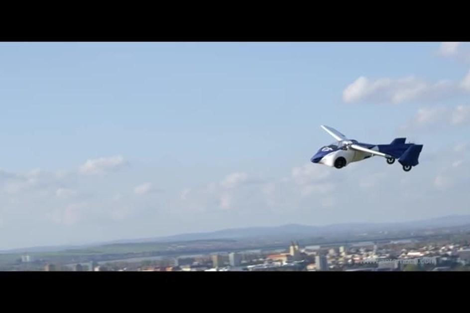 Carro voador da AeroMobil chega já este ano