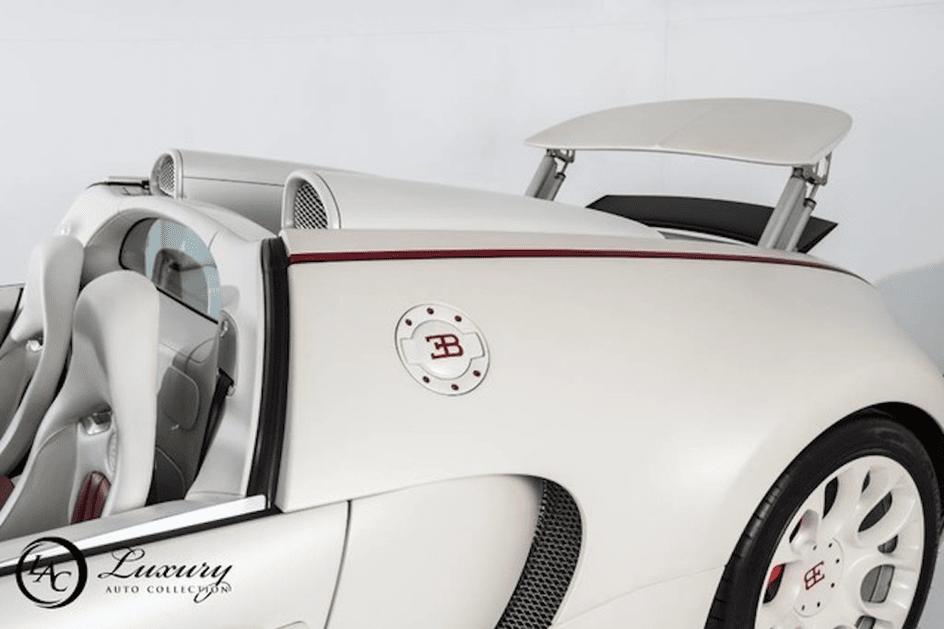 Floyd Mayweather está a vender dois Bugatti Veyron por seis milhões