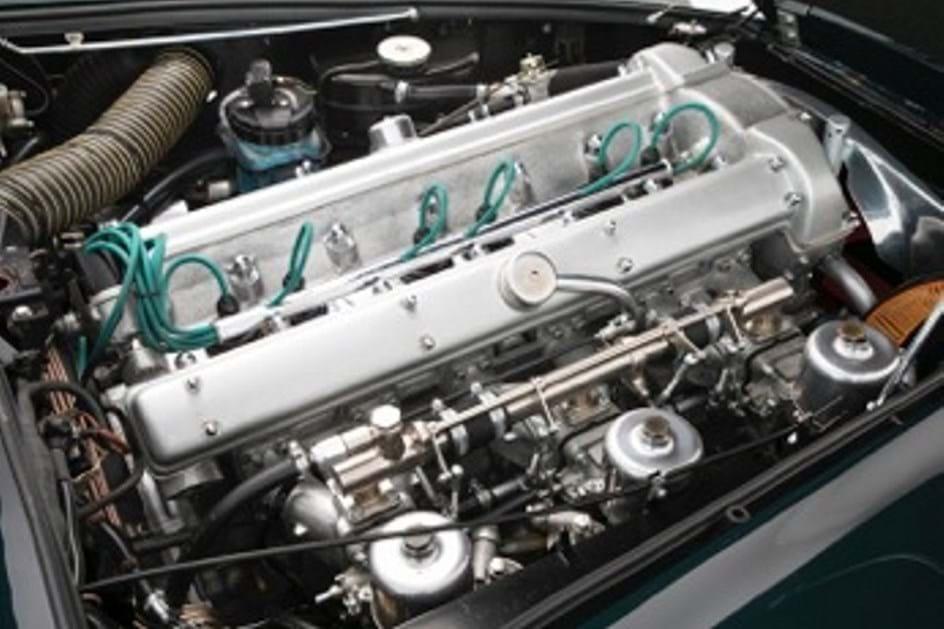 Aston Martin DB5 da realeza à venda por 1 milhão de dólares