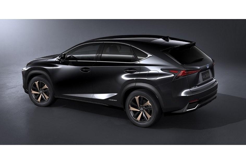 Lexus NX ganha nova cara em Xangai