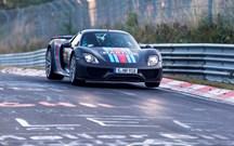 O que estará este Porsche 918 Spyder a fazer em Nurburgring?