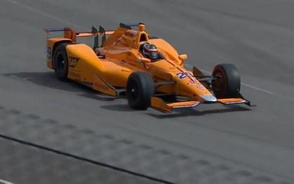 Alonso faz hoje a sua estreia na gigantesca oval de Indianápolis