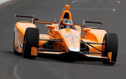 Fernando Alonso já chegou aos 356 km/h na estreia em Indianápolis