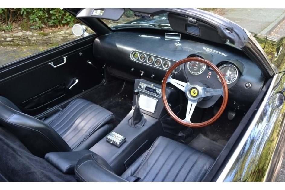 Este Ferrari 250 GT Califonia é um BMW Z3, mas pode ser seu...