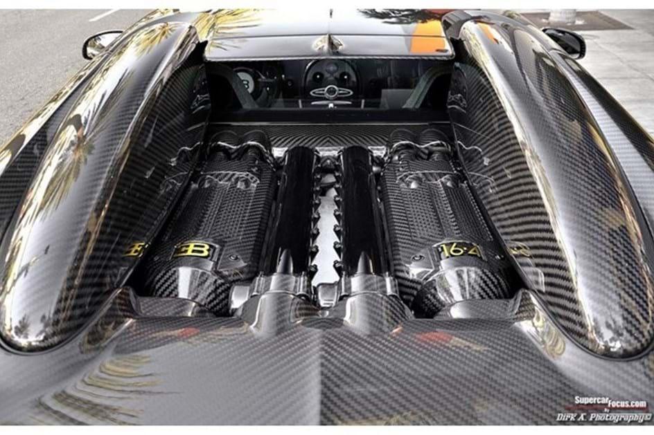 Bugatti Veyron de ouro está à venda