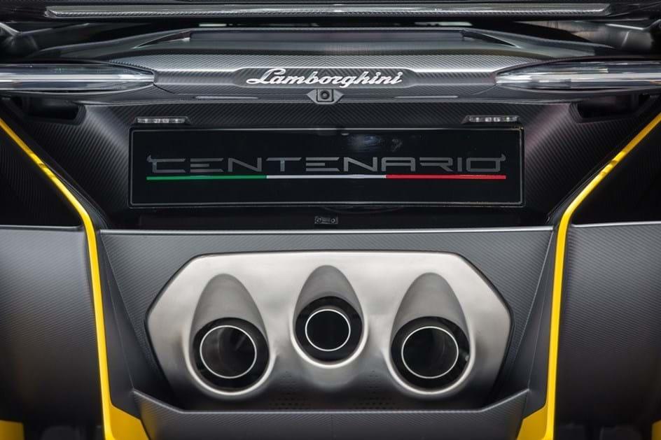 Um dos 20 Lamborghini Centenario foi entregue em Hong Kong