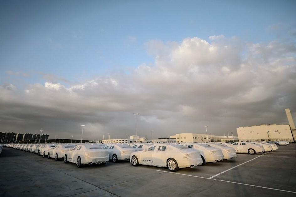 Os Volvo já vêm da China… de comboio!
