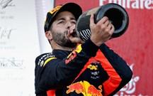 G.P. Azerbaijão: Corrida louca acaba com shoey de Ricciardo
