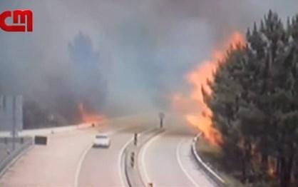 Carro da GNR escapa às chamas em Pedrógão Grande