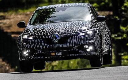 """Renault já prepara """"ataque"""" ao Civic Type R com o novo Mégane R.S."""