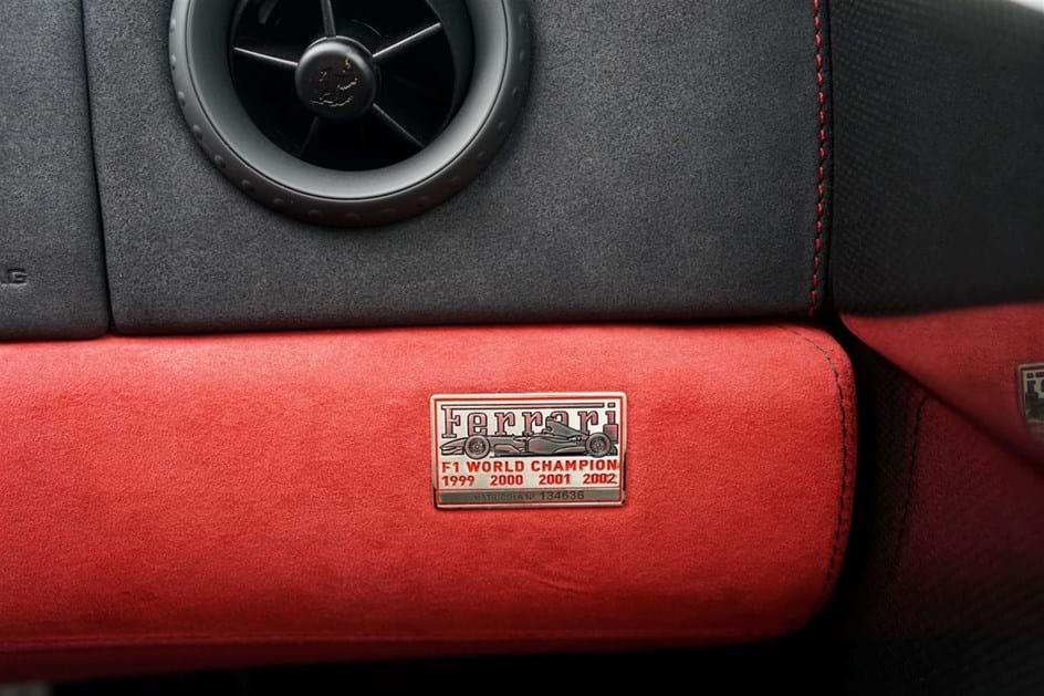 Finanças colocam Ferrari à venda por 12.078 euros