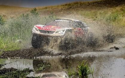 Silk Way Rally: Loeb soma e segue no Cazaquistão