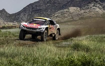 Silk Way Rally: Peterhansel vence mas Loeb amplia liderança