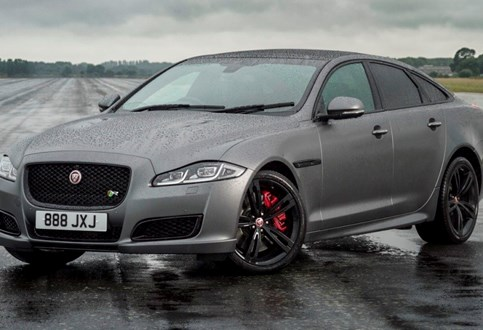 "XJR575: a nova ""bomba"" da Jaguar tem 575 cv e custa 196 mil euros"