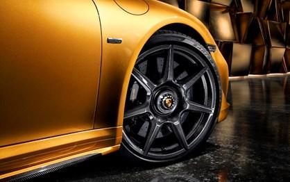 Porsche lança jantes em fibra de carbono que custam 15 mil euros