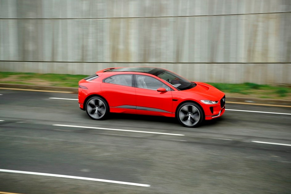 "Jaguar I-PACE vence prémio ""Concept Vehicle 2017"""