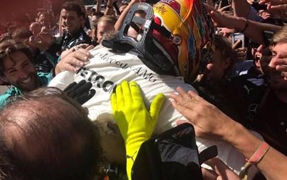 F1: As melhores imagens do triunfo de Hamilton em Monza