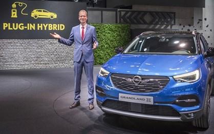 "Grandland X vai ser o primeiro híbrido ""plug-in"" da Opel"